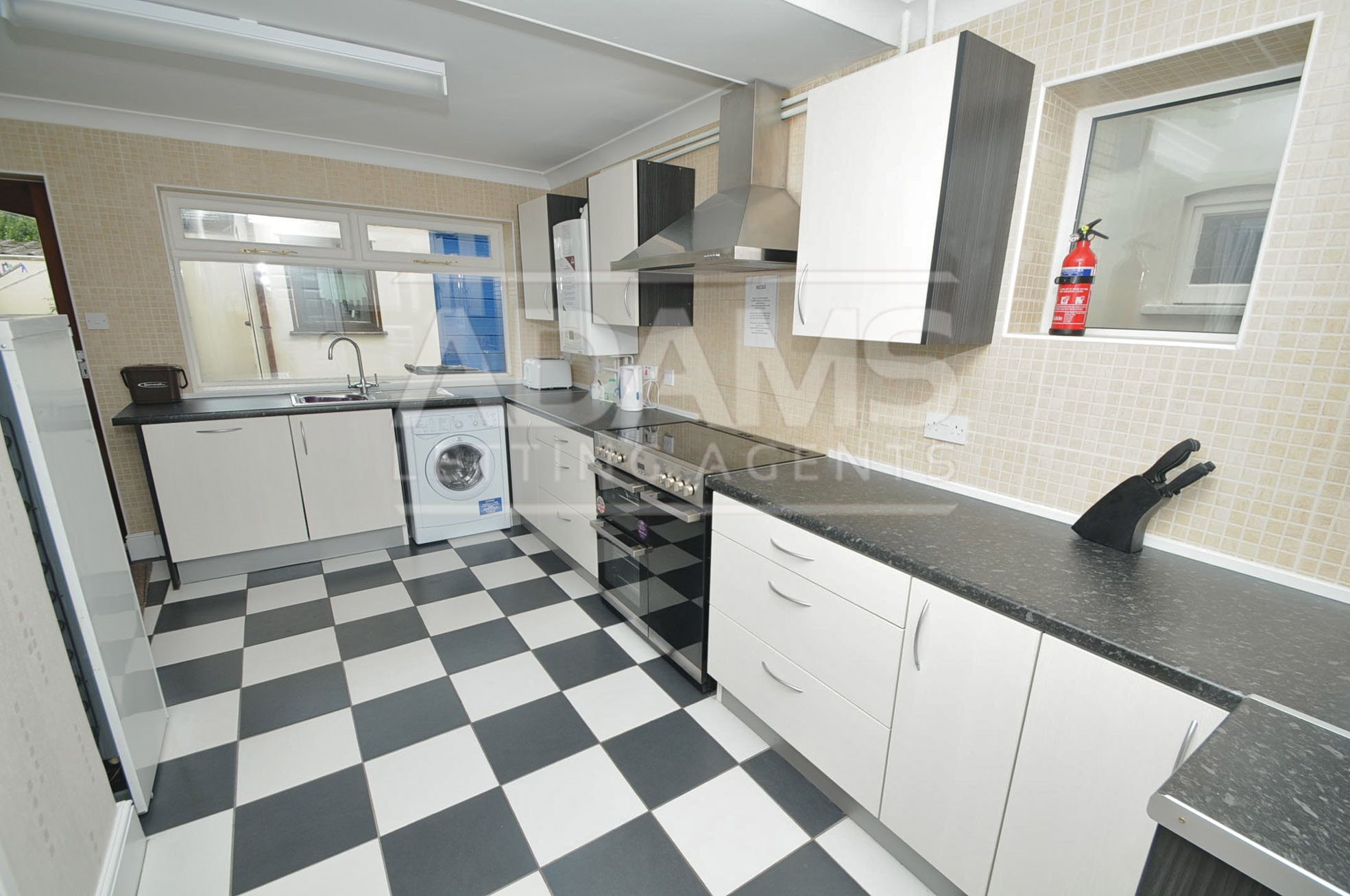 4 Bedroom Detached House To Rent Columbia Road Ensbury