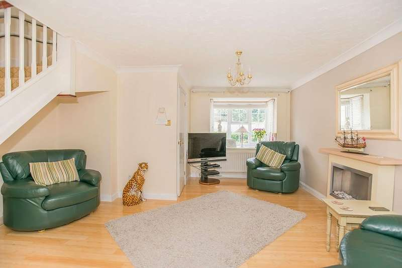3 Bedroom Semi Detached House For Sale Cairns Close