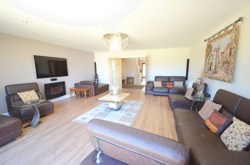5 bedroom detached bungalow for sale dudmoor farm road for Bedroom furniture christchurch