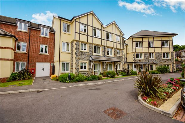 Flat 3 William Court Overnhill Road, BS1...