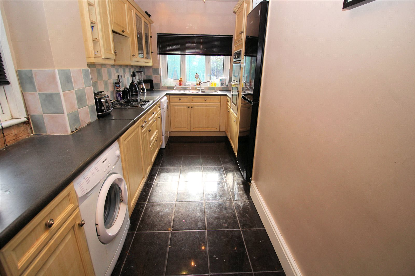 Property For Sale In Lincoln Close Erith
