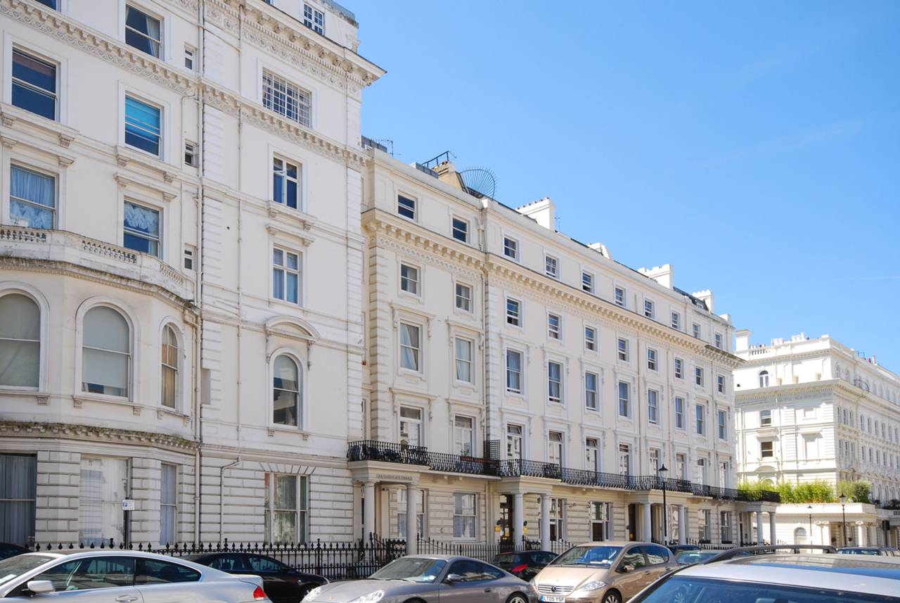 Studio flat to rent queens gate terrace south kensington for Queens gate terrace