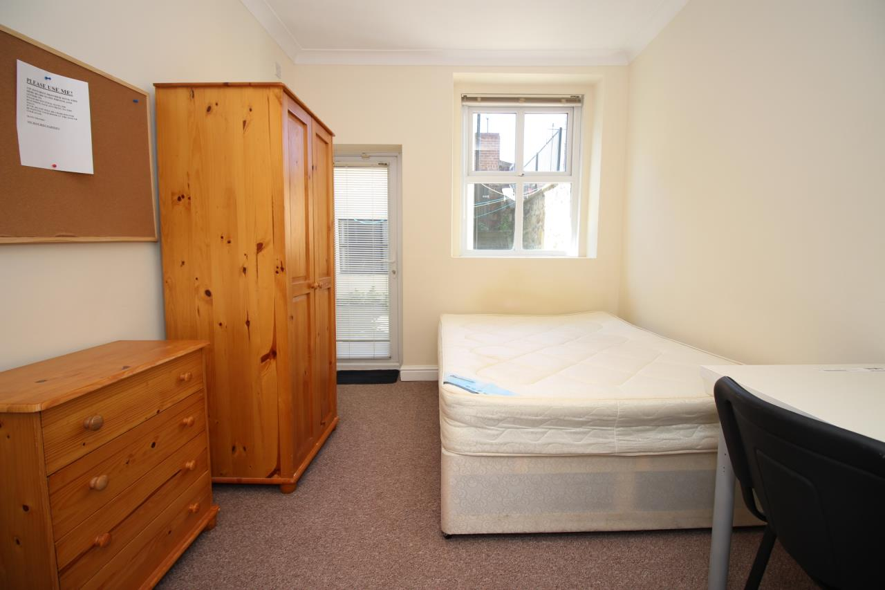 bedrooms pictures modern 2 bedroom flat to rent grove terrace spital 10792