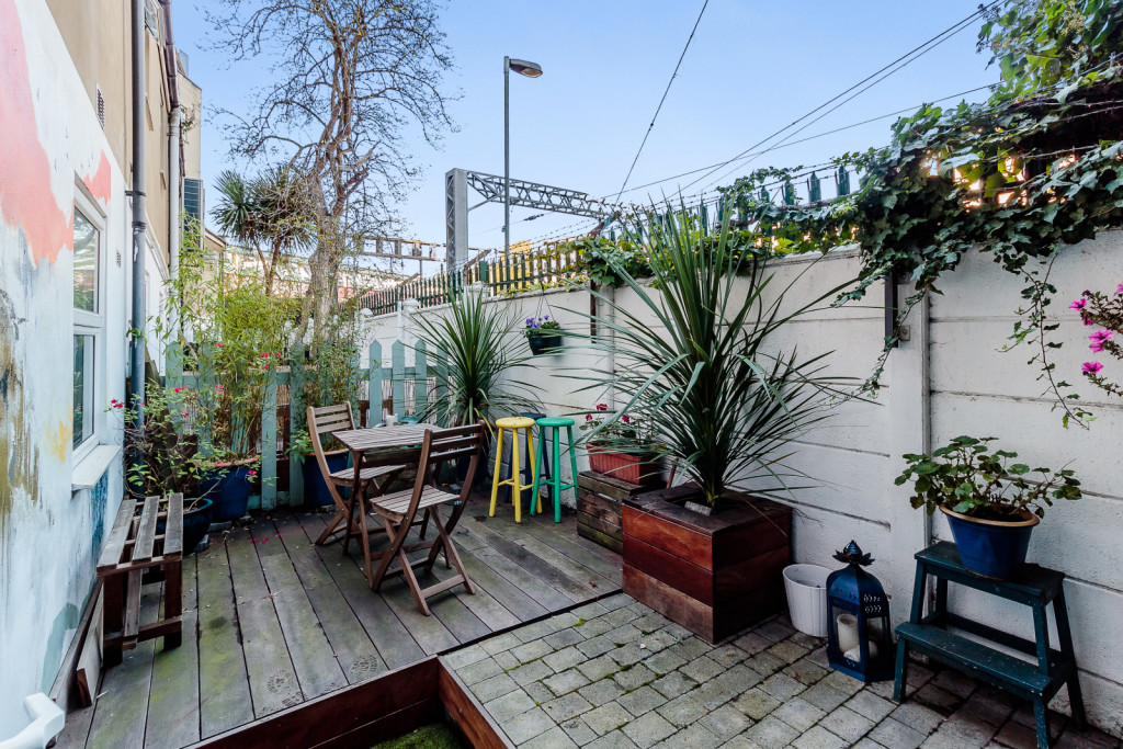 1 bedroom ground floor flat to rent, Ladbroke Grove ...