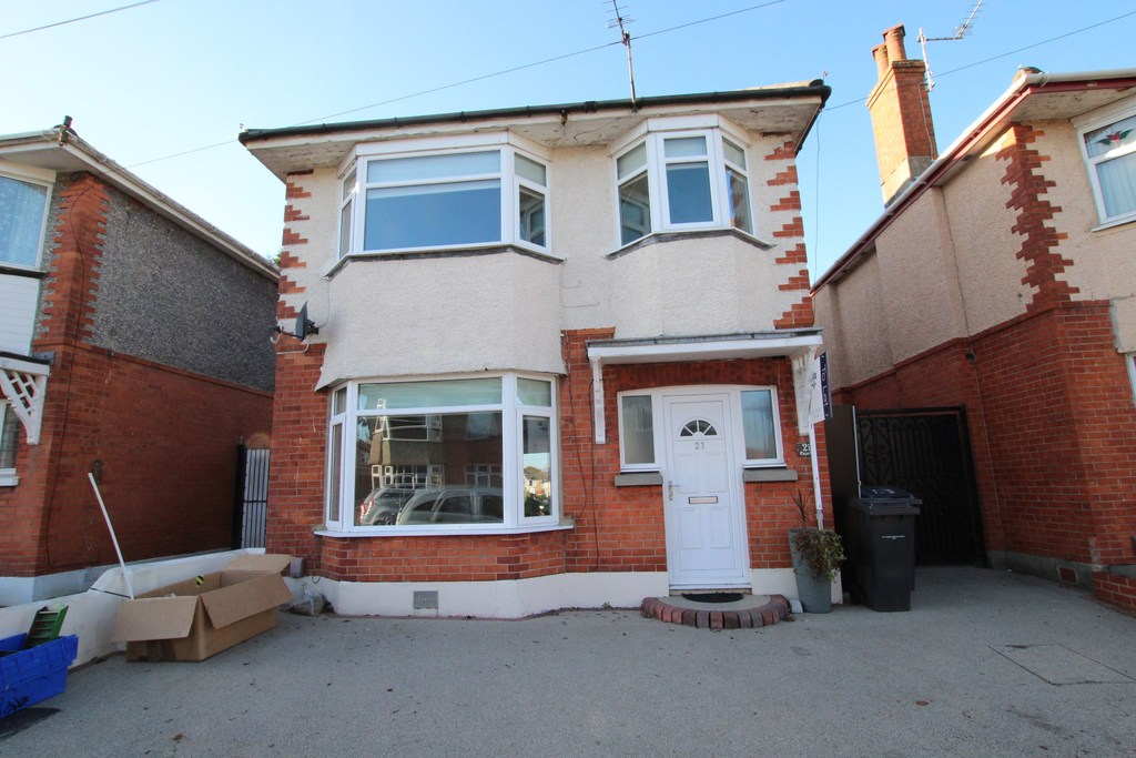 3 Bedroom Detached House To Rent Draycott Road Ensbury