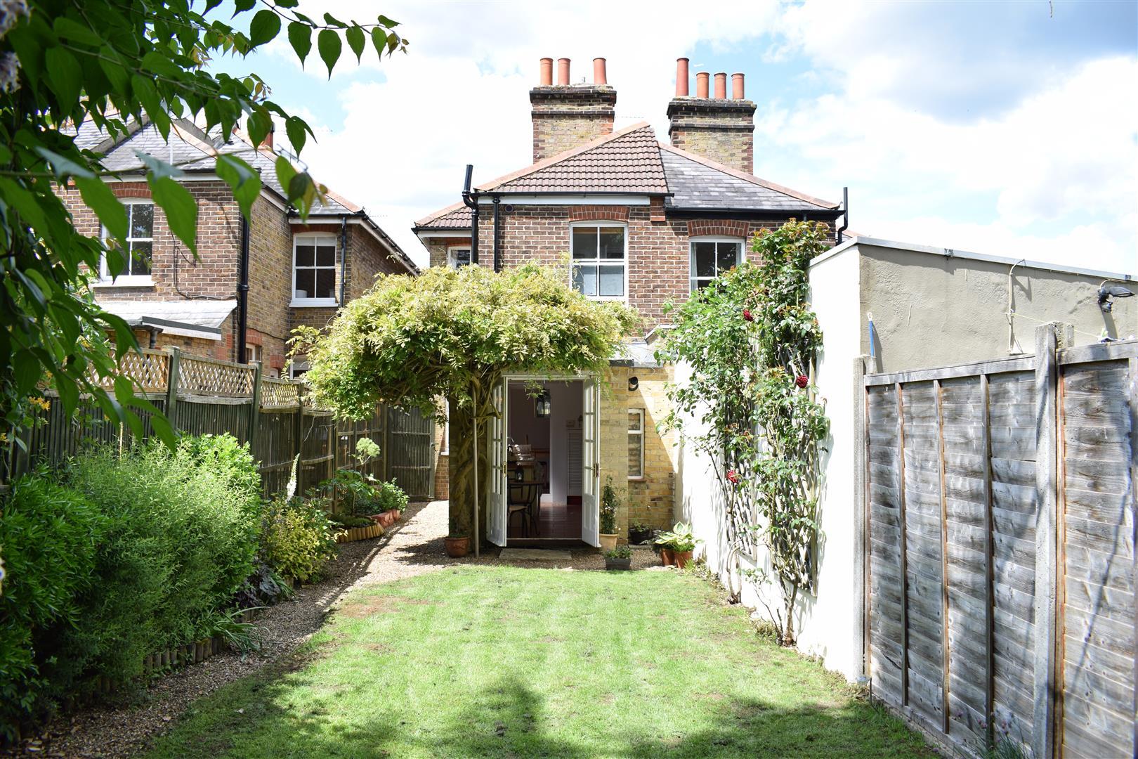 2 Bedroom Semi Detached House For Sale Hatfield Road