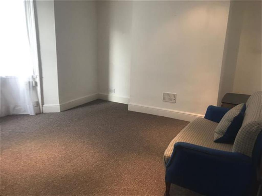 2 bedroom apartment to rent crescent place brighton bn2 1as for Room to rent brighton