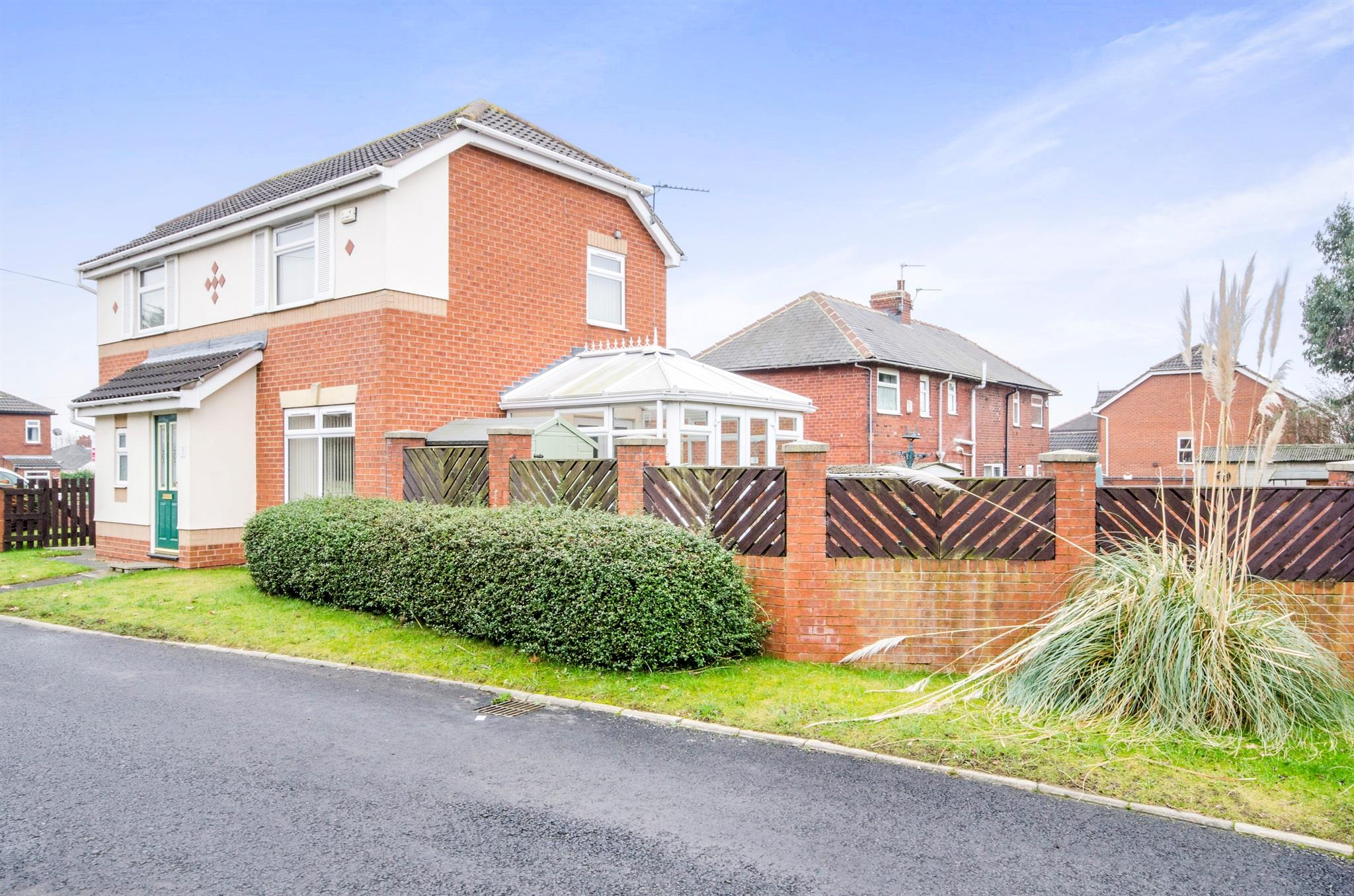 3 bedroom detached house for sale high brook fall for Wakefield house