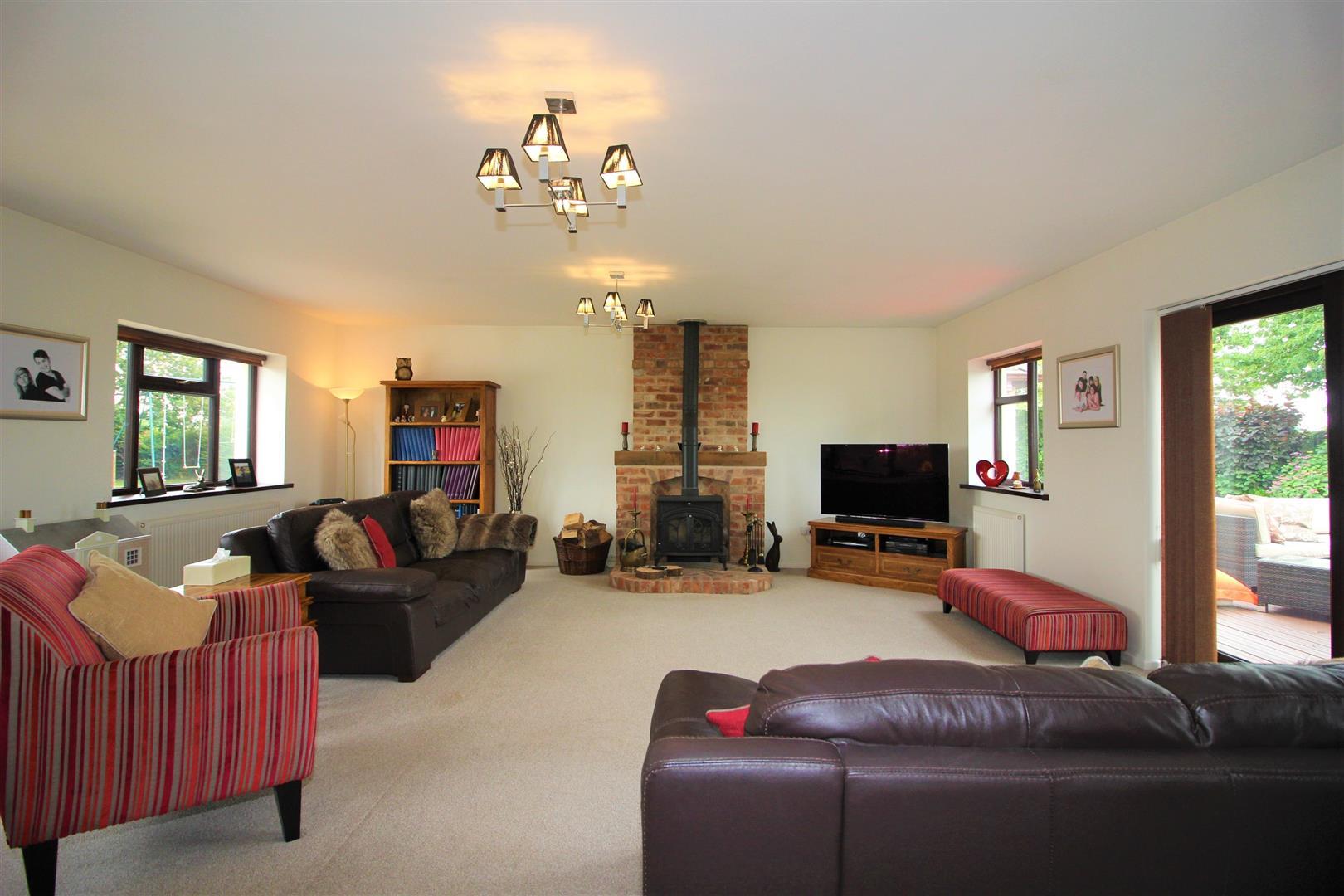 Property For Sale In Snarestone Road Newton Burgoland