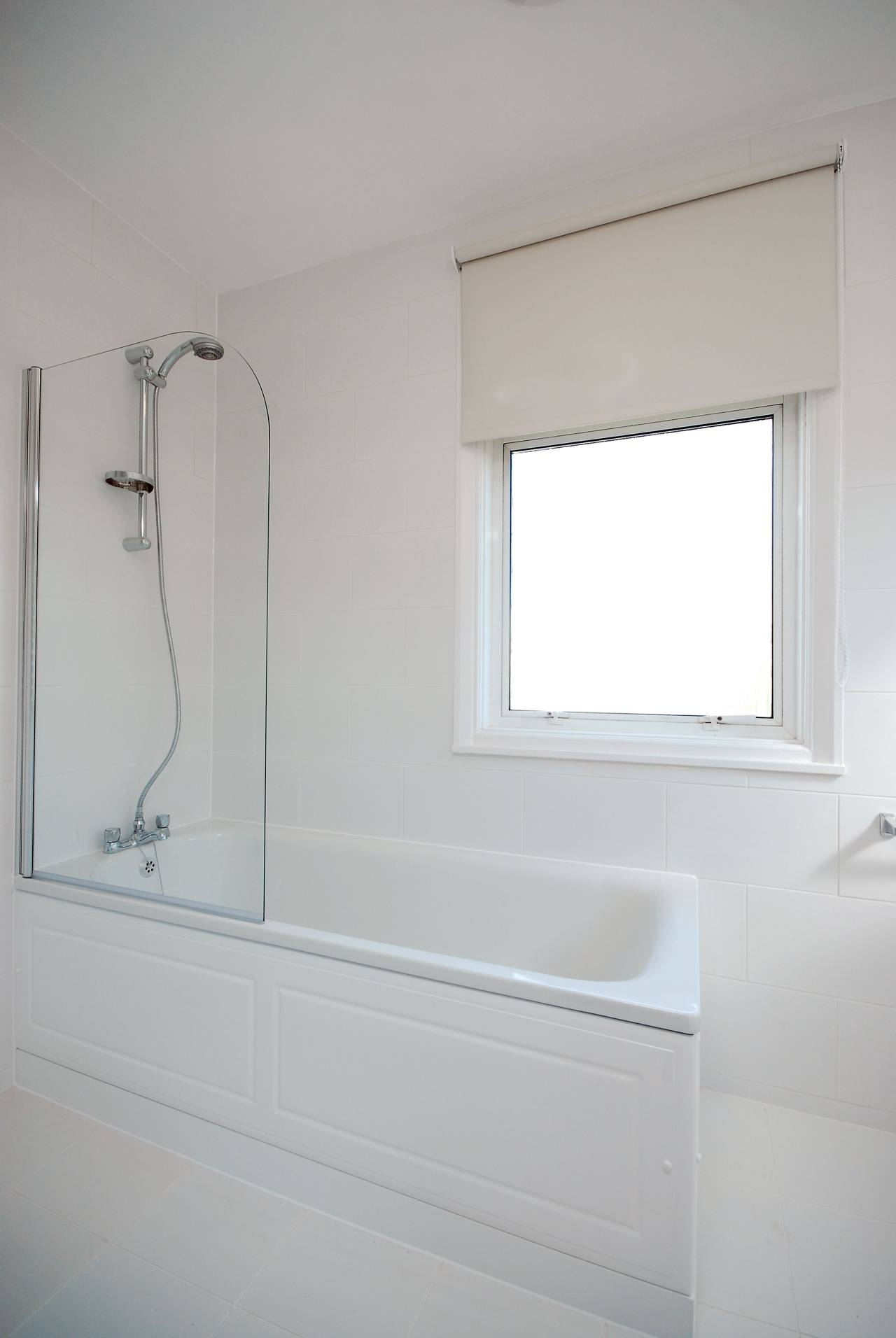1 bedroom flat to rent seymour road chiswick w w4 5es for W 4 bathrooms chiswick