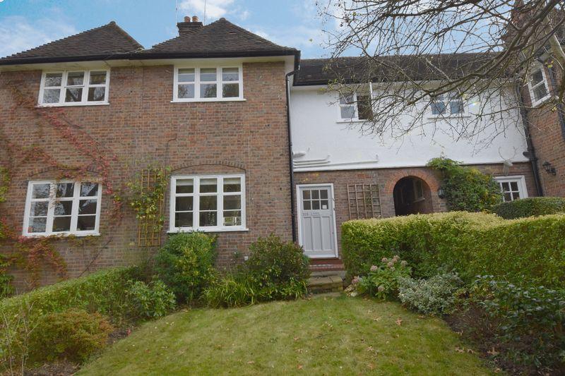 3 Bedroom Cottage For Sale Erskine Hill Hampstead Garden