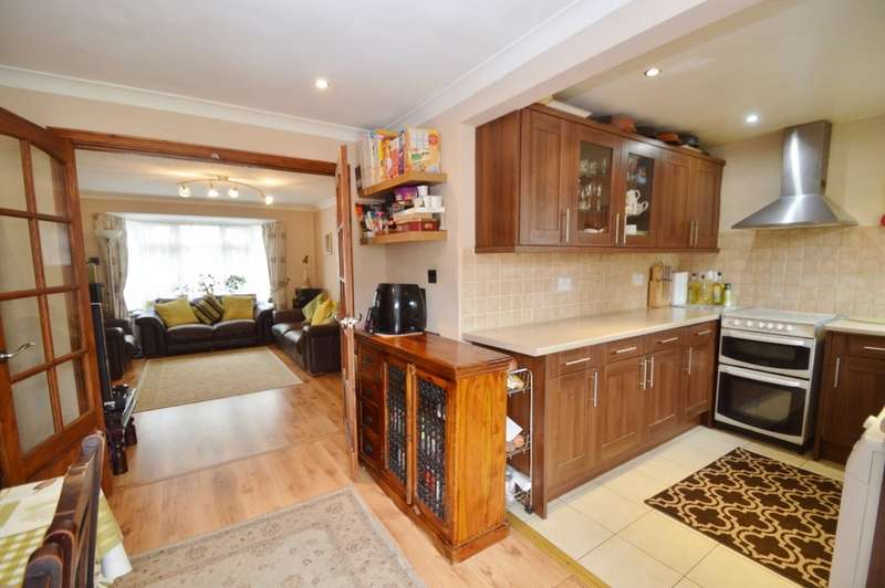 bedroom terraced house for sale greenway hayes ub4 9hp