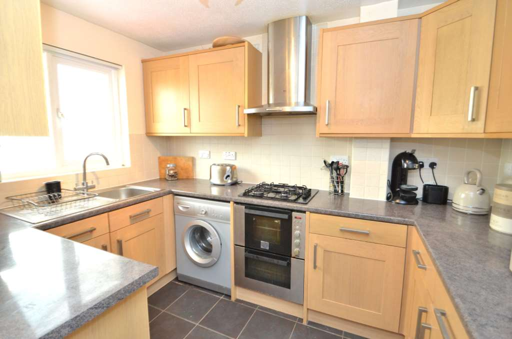 3 Bedroom End Of Terrace House To Rent Milecastle Milton