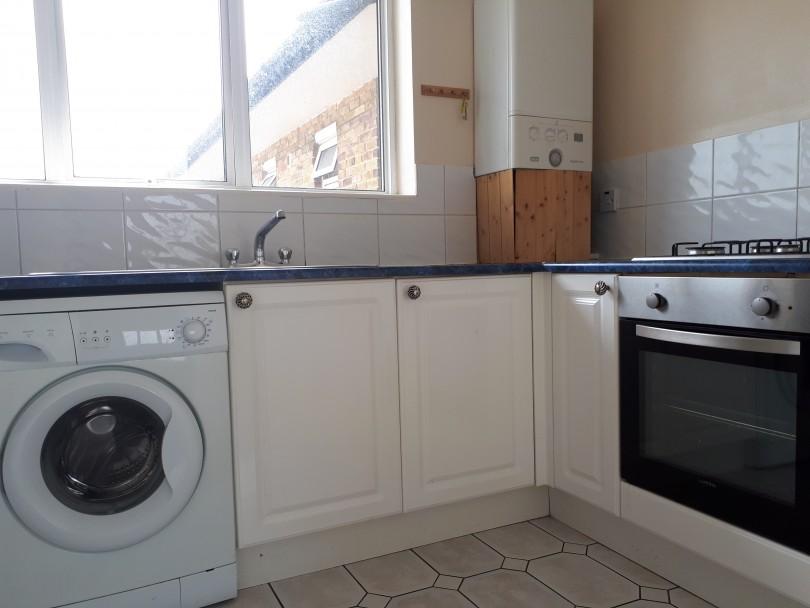 2 bedroom flat to rent st andrews court gravesend da da12 2er - Portal entree ownership ...