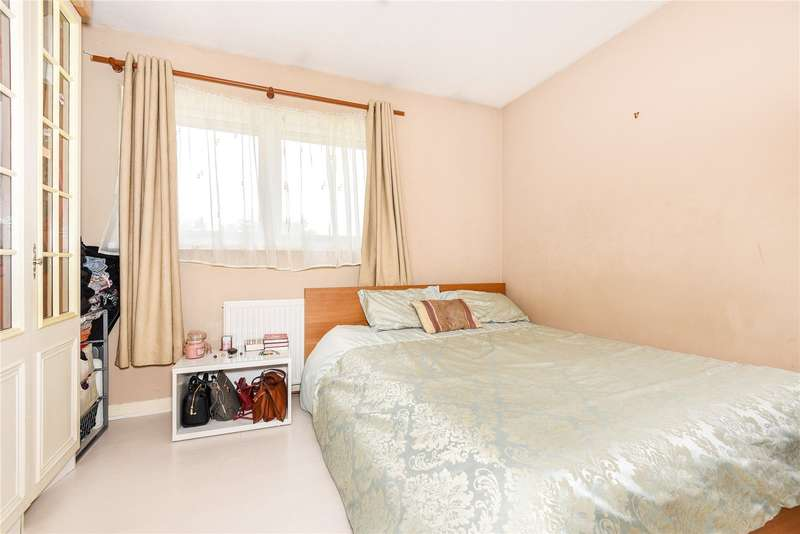 bedroom terraced house for sale alba close hayes ub4 9pu