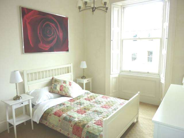 3 bedroom flat to rent inverleith terrace edinburgh for 55 buckstone terrace edinburgh