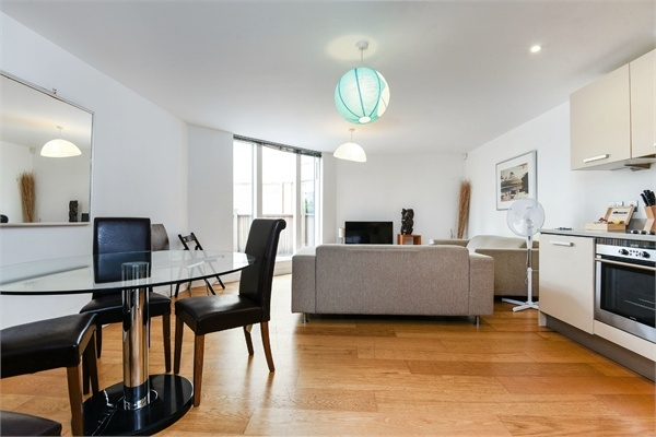 2 Bedroom Flat For Sale Dovecote House Water Gardens Square Canada Water London Se16 6rg