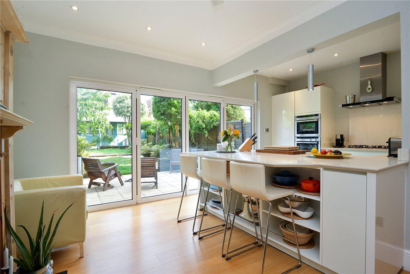 Is 747 A Good Credit Score >> 4 bedroom semi-detached house for sale, Mundania Road, East Dulwich, London SE, SE22 0NW