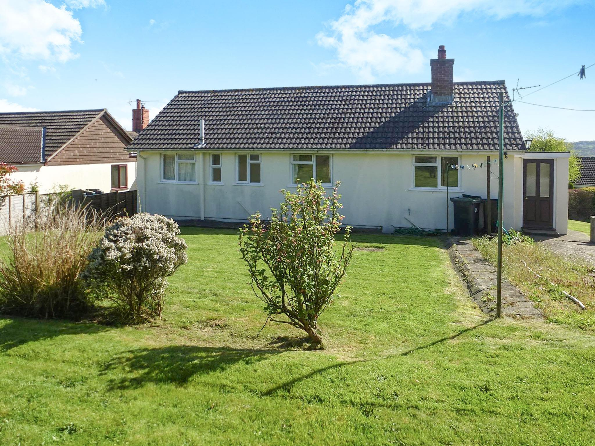 3 Bedroom Detached Bungalow For Sale Down Road Beaminster Dt8 3jf