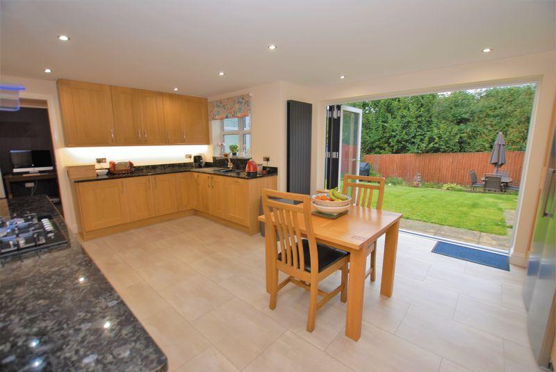 4 Bedroom Detached House For Sale Demontfort Way
