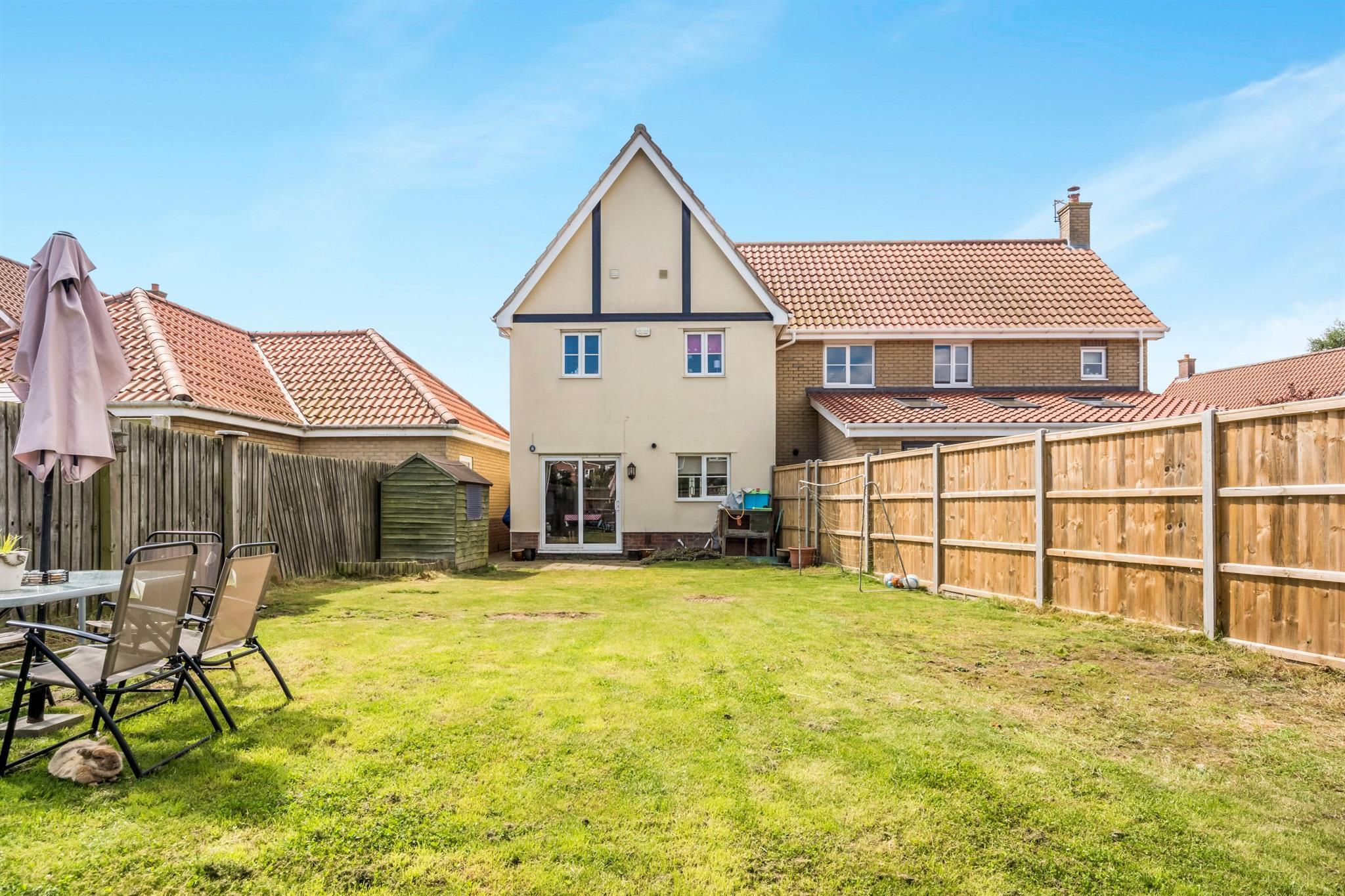 3 Bedroom Semi Detached House For Sale Baillie Close