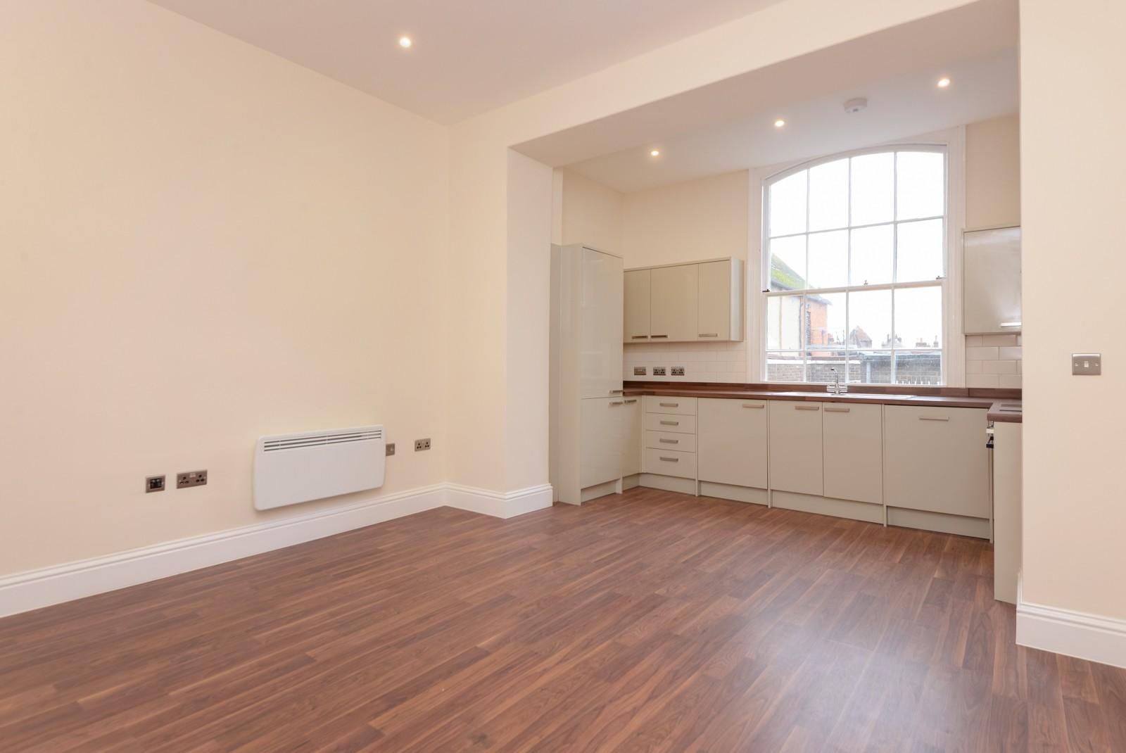 2 Bedroom Flat For Sale Ellesmere House High Street