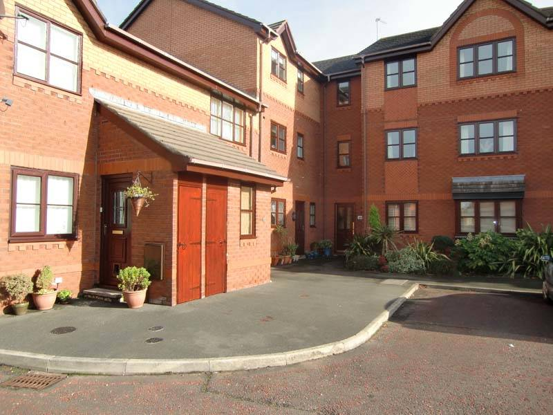 2 bedroom flat for sale kittiwake close thornton for Koi pool thornton cleveleys