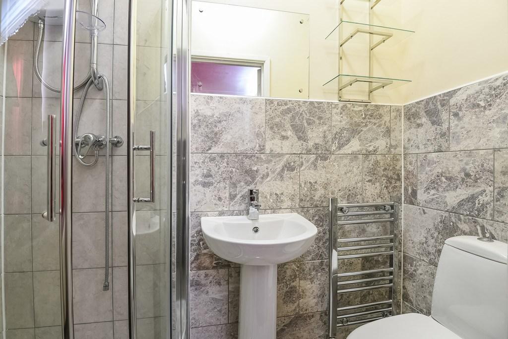 5 Bedroom Semi Detached House For Sale Queens Court