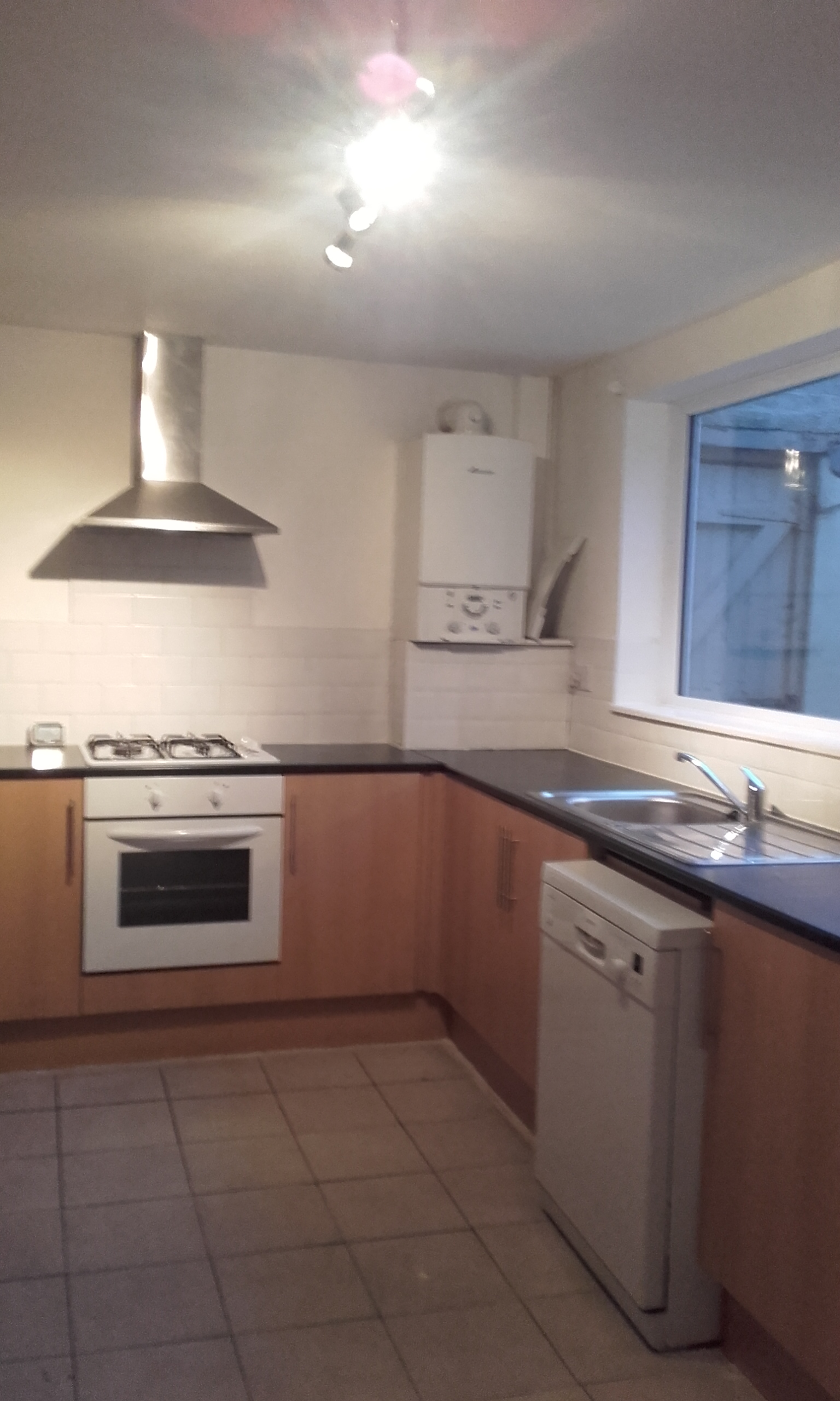 3 bedroom terraced house to rent chester road hartlepool for Best bathrooms hartlepool