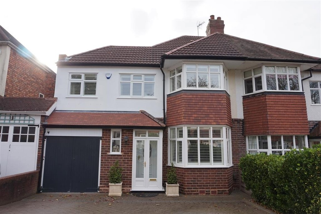 3 Bedroom Semi Detached House For Sale Welford Road