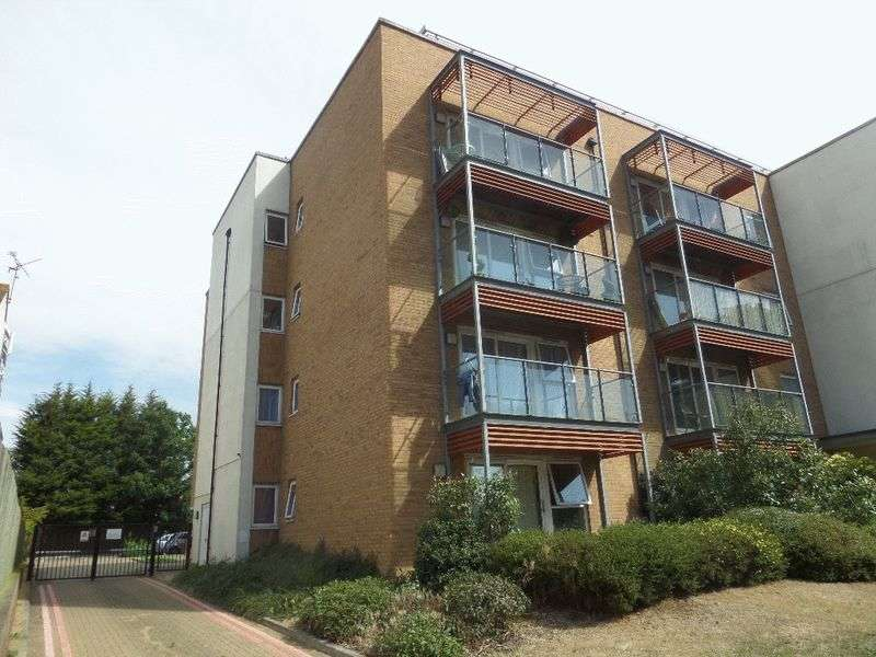 Flat 17 Axis Court 343 Southchurch Road,...