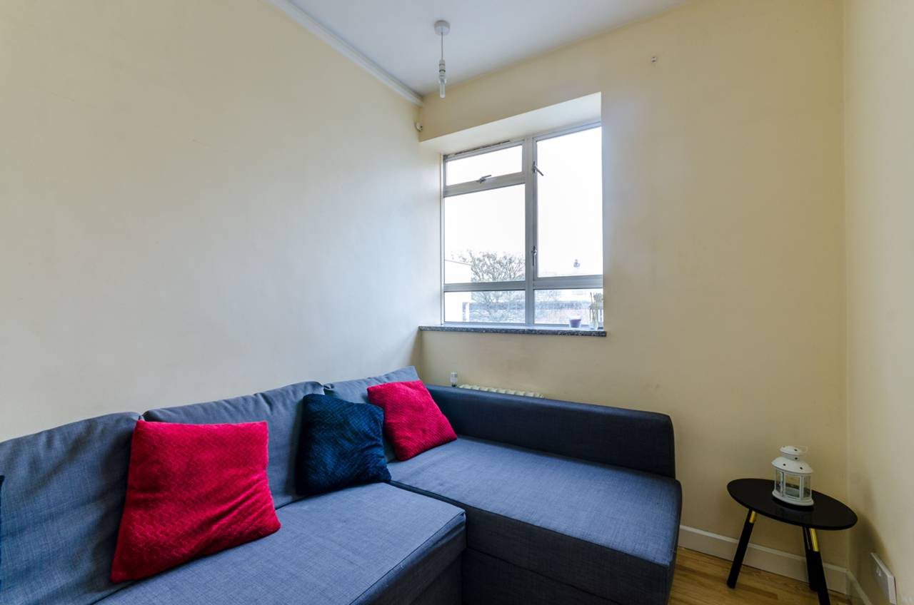 Room Rent Churchill Gardens Sw