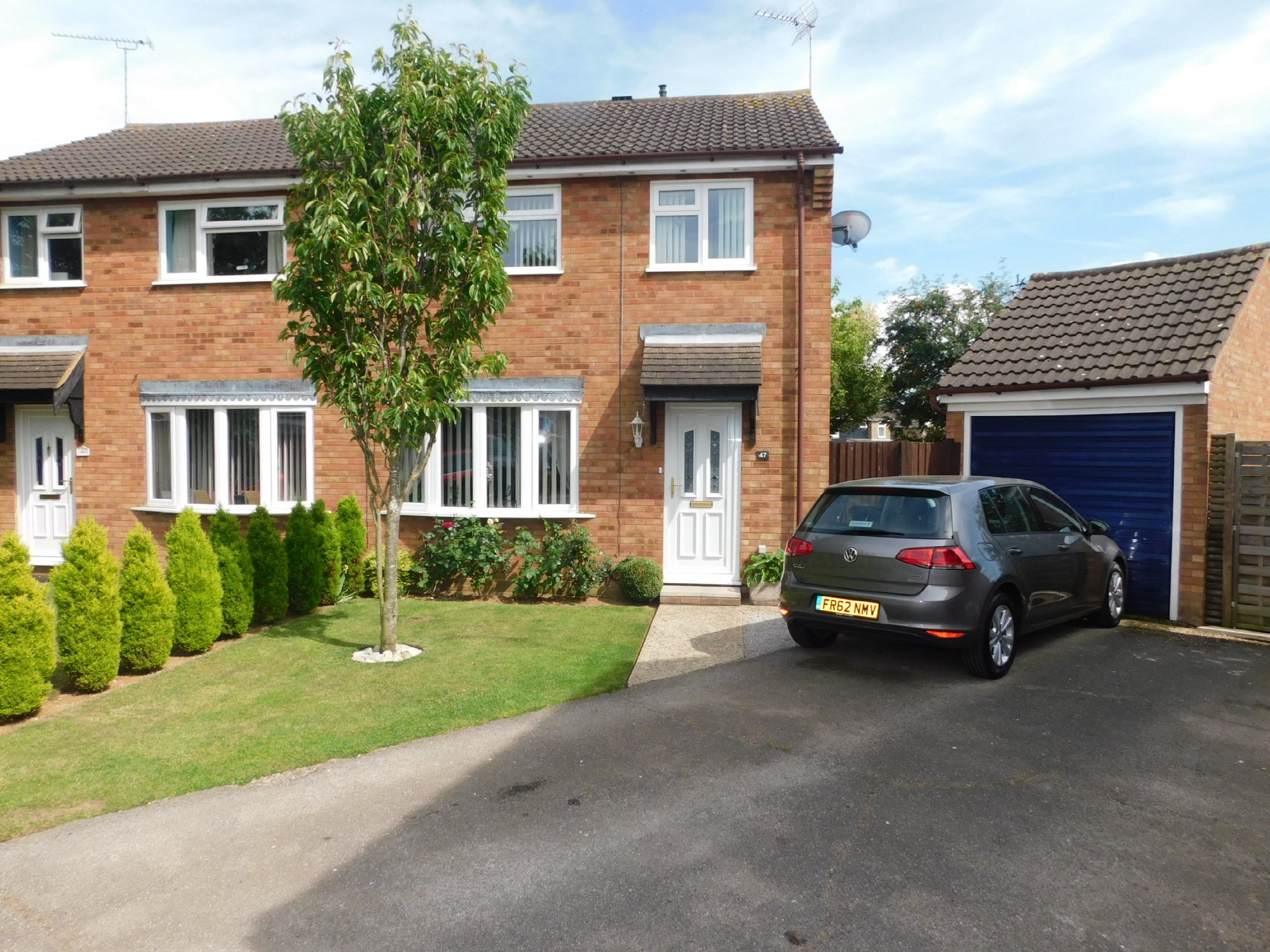 3 bedroom semi-detached house for sale, Wordsworth Road ...