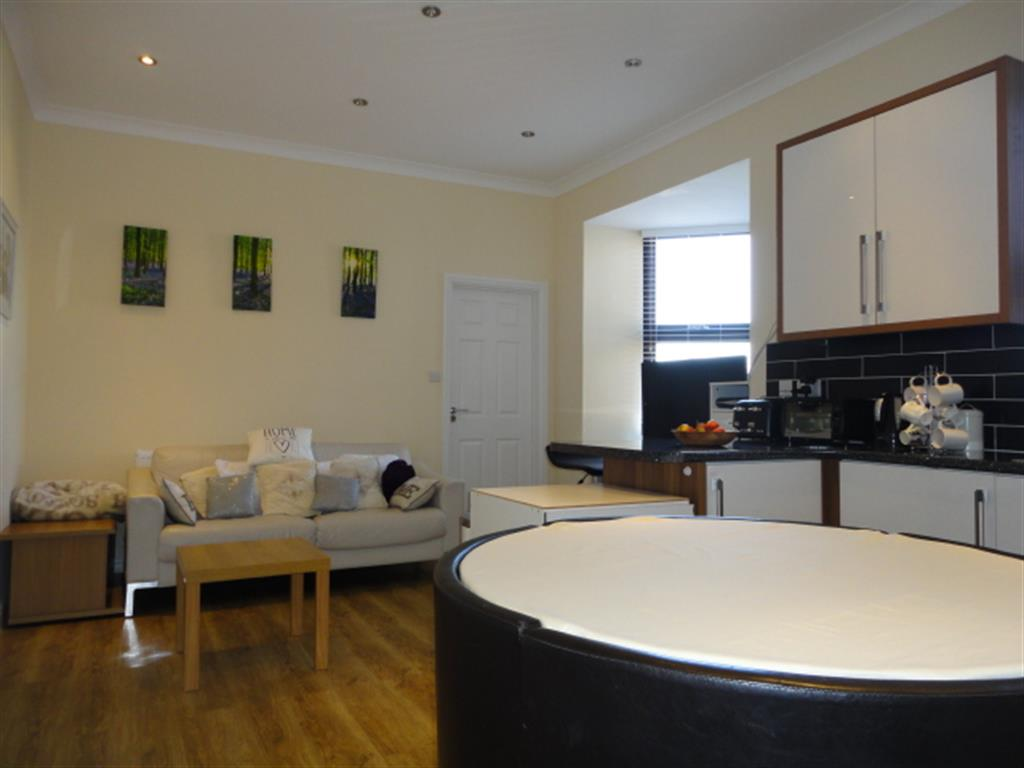 2 Bedroom Flat For Sale Parliament House St Laurence Way