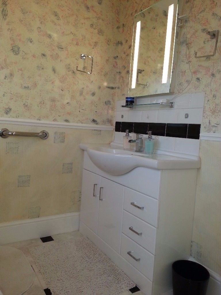 Is 747 A Good Credit Score >> 1 bedroom house to rent, Bournemouth Road, Blandford Forum, DT11 9PT