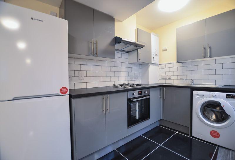 1 Bedroom Flat To Rent Baker Street Enfield En Enfield En En1 3la