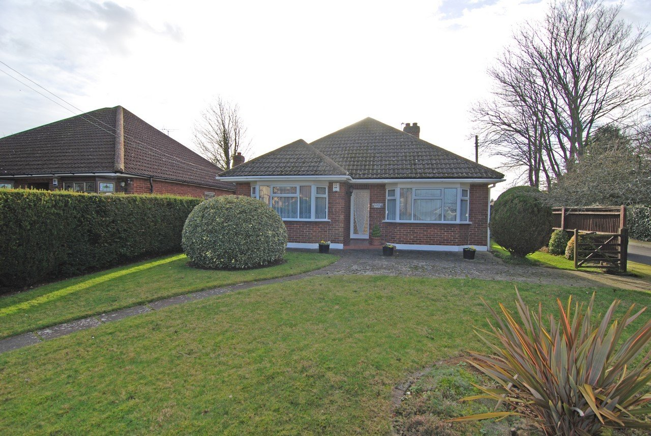 3 bedroom detached bungalow for sale southfleet avenue for New barns for sale