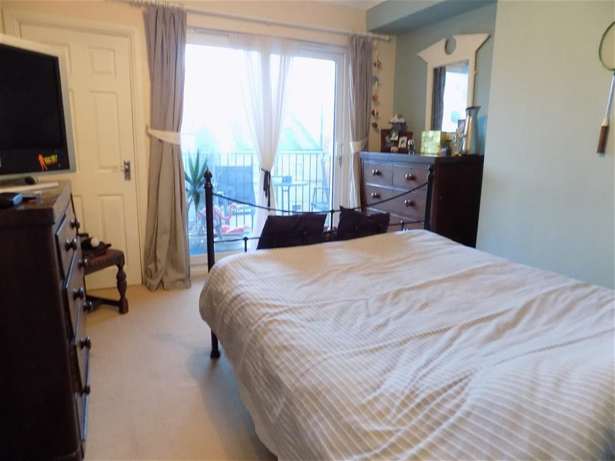 1 Bedroom Apartment To Rent Queens Gardens Eastbourne Bn21 3ef