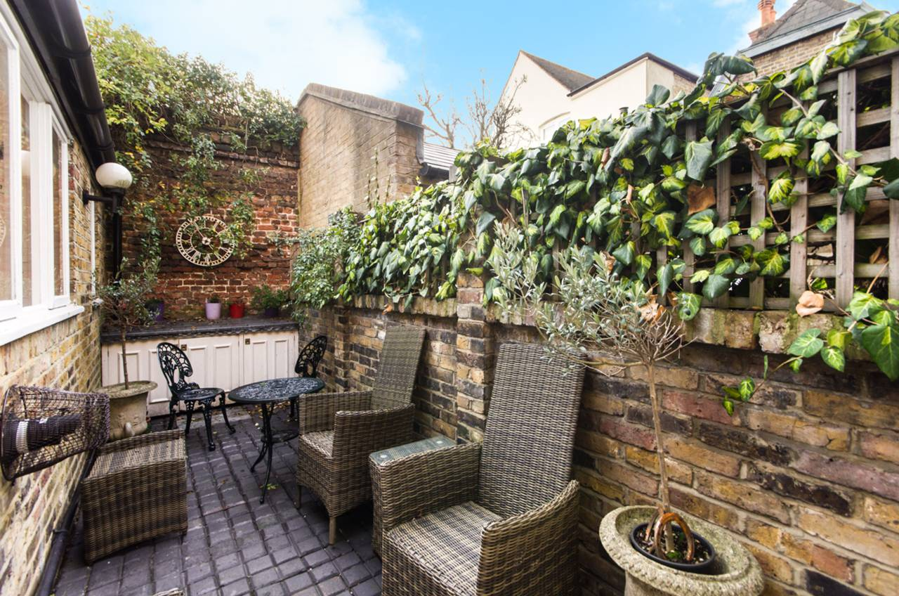 1 Bedroom Cottage To Rent Belvedere Square Wimbledon Village Sw Sw19 5dj