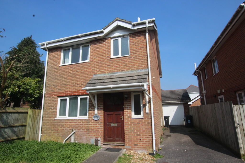 3 Bedroom Detached House For Sale Ashleigh Rise Ensbury