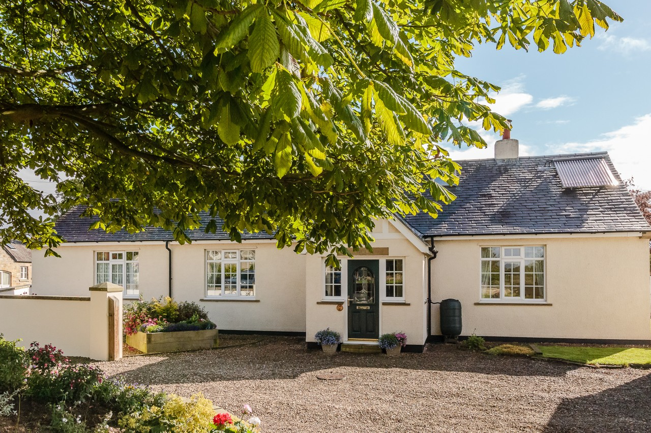 5 bedroom detached bungalow for sale aurum cottage for 5 bedroom cottages