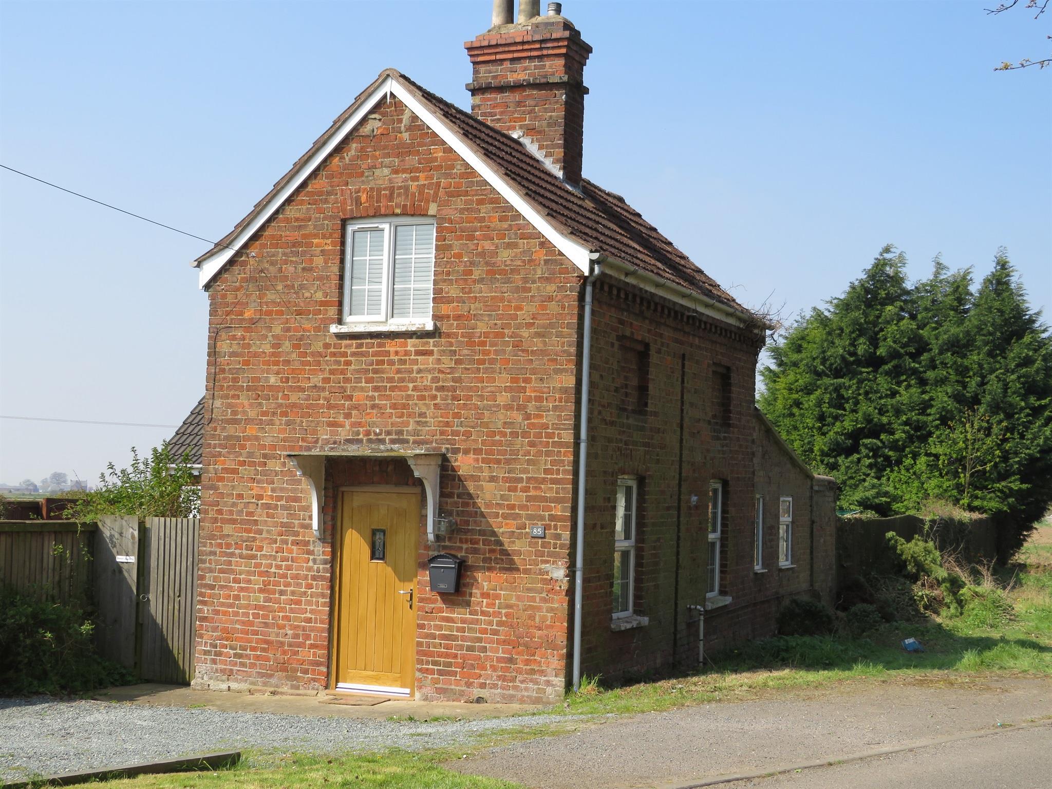 2 Bedroom Cottage For Sale Garnsgate Road Spalding Pe12 9bu