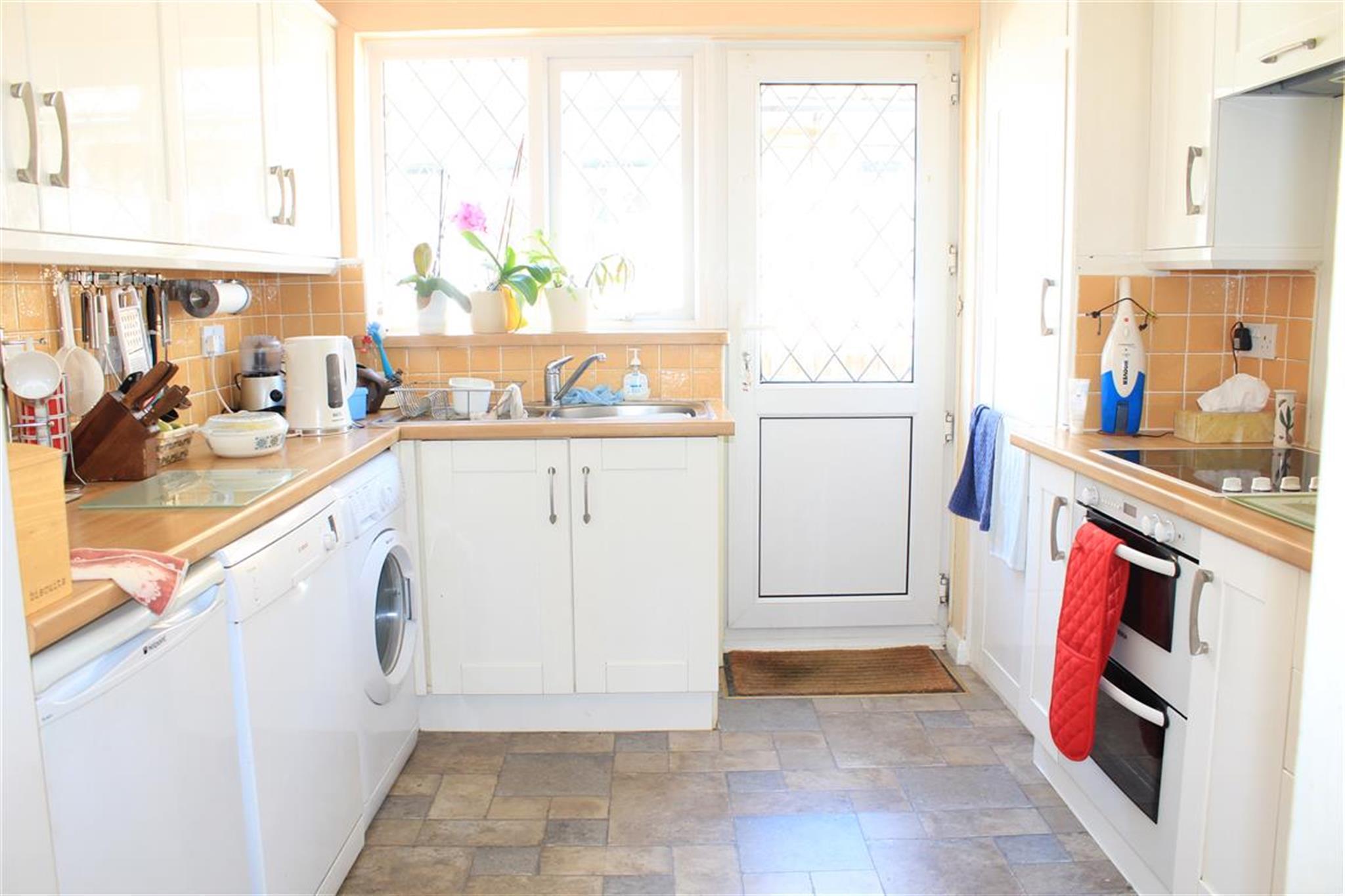 3 bedroom detached bungalow for sale Val