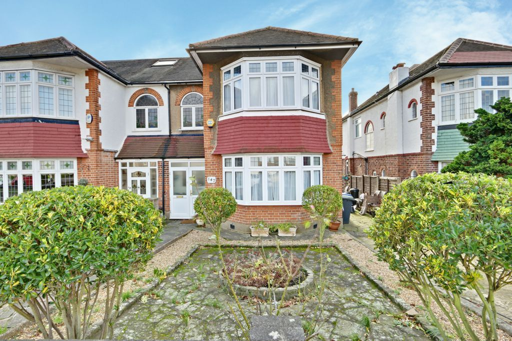 Property For Sale In Oakwood London