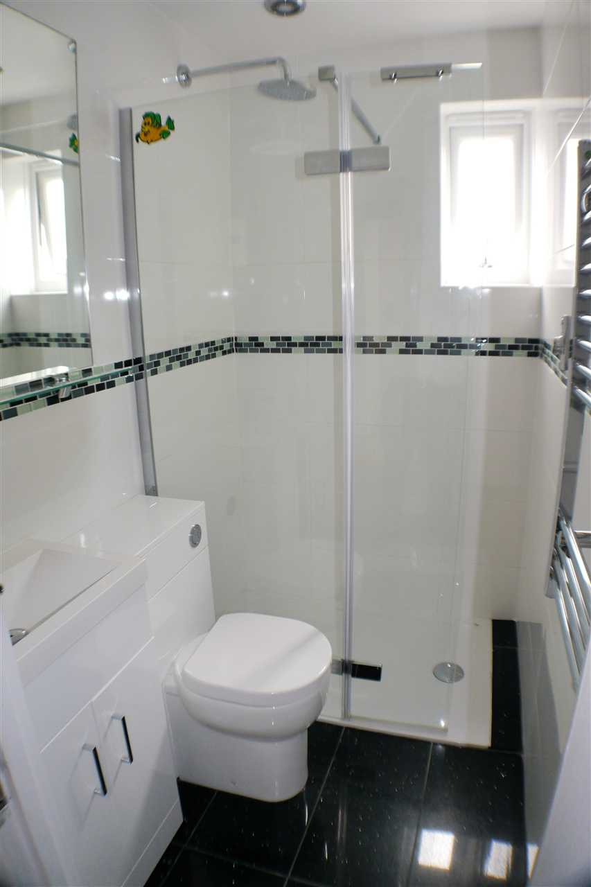 Is 747 A Good Credit Score >> 2 bedroom terraced house to rent, Station Road, Worthing ...