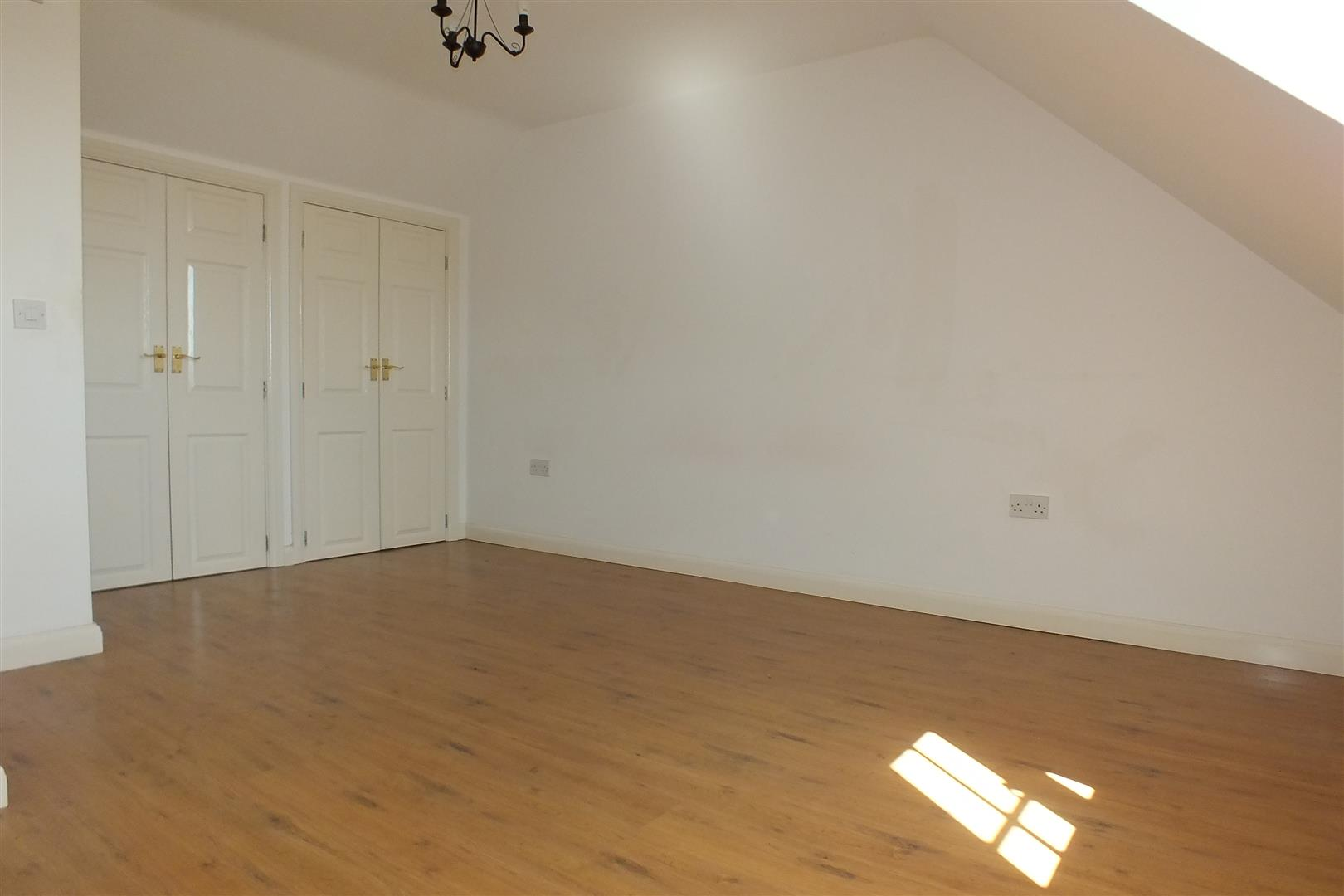 4 Bedroom Town House To Rent Chapman Way Eynesbury St Neots Pe Pe19 2hd