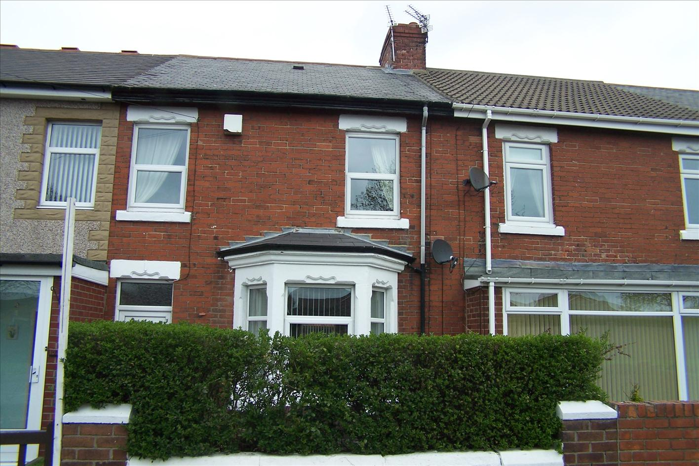 3 bedroom terraced house for sale newbiggin road for Whats a terrace house