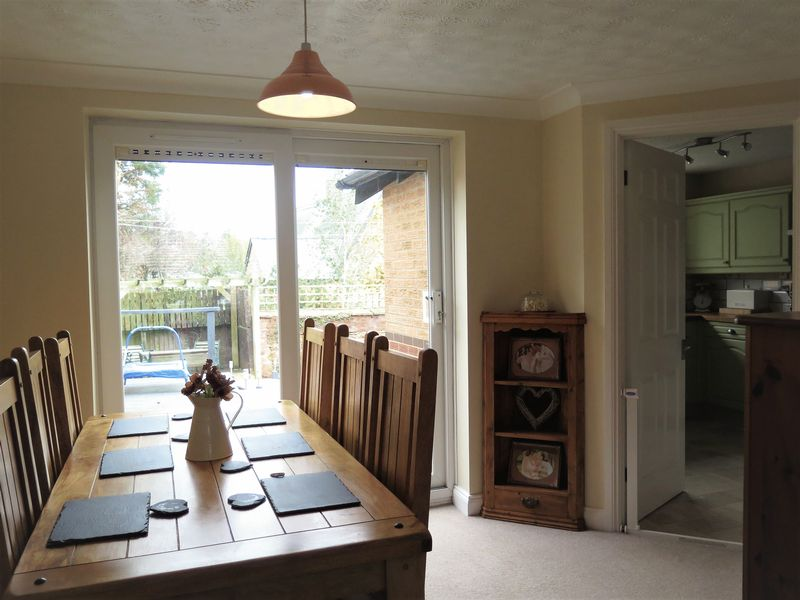 Rooms To Rent In Daventry Nn