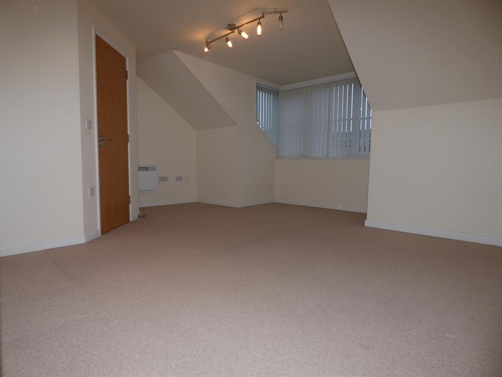 2 bedroom apartment to rent the elms henconner lane