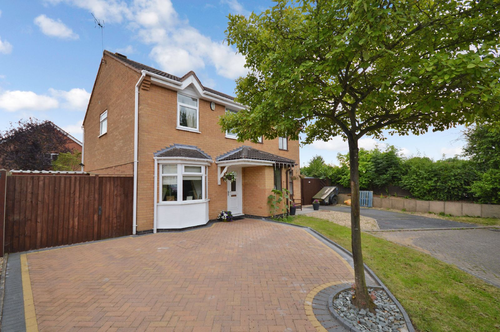 3 Bedroom Semi Detached House For Sale Harrison Close